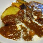 我が家のカレー 野菜スープで肉を煮込む こだわり絶品カレーの出来上がり