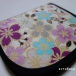 高齢の母へ財布を贈る 選ぶポイントは色・柄・大きさと心が晴れやかになるように