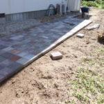 庭造りDIY 平板ブロックを敷いては剥がしの繰り返し